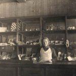 Продавец Тавреньгского сельпо, 1947 г. (Фото из фондов КРКМ)