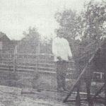 Профилирование дороги деревянным утюгом 1939 г. (Фото из фондов КРКМ)