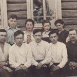 Работники поселкового Совета в июле 1947 г. (КРКМ ОФ № 1162)