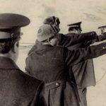Сотрудники милиции на стрельбах (Фото из фондов КРКМ)